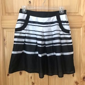 🎈Ann Taylor Factory pleated front skirt Sz 10